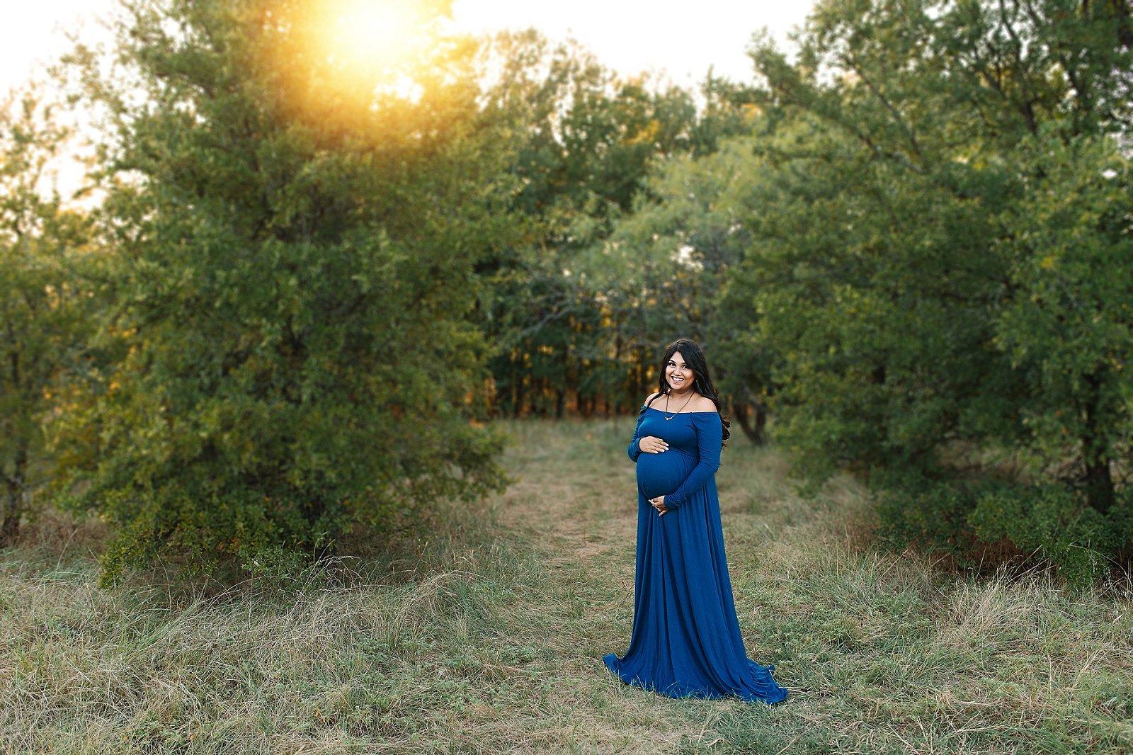 Maternity portrait in blue dress at Murrell Park